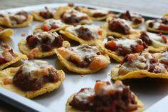Homemade Nachos // PaitSewGlueChew.com #nachos #canapes #fancypantsnachos