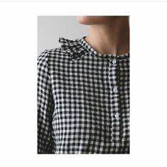 Une merveille, la blouse de @petites_choses__ avec la double gaze carreaux noir et blanc ❤ Patron parfait pour ce tissu si merveilleux... Bravo Patron #delphineetmorissette #blouselagarconne #unchatsurunfil #doublegauze #doublegaze #carreaux #vichy #couturedefamille #couture #instacouture #instacousette #presquilederhuys #Bretagne #bzh #morbihan #vannes #lehezo #blouse #blousevichy