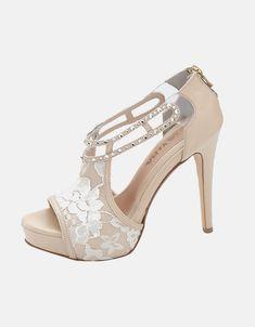 Nude Νυφικά παπούτσια με δαντέλα και πέτρες Swarovski στο βραχιόλι του κουντεπιε Bridal Shoes, Peeps, Peep Toe, Swarovski, Nude, Sandals, Fashion, Bride Shoes Flats, Moda