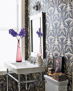 La Maison Boheme: Wallpaper in the Bathroom?