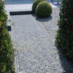 Architecture Details, Interior Architecture, Front Path, Garden Paving, Outside Living, Pavement, Garden Inspiration, Terrace, Garden Design