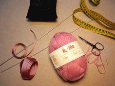 CASTILLO DE LANA- GORROS SENCILLOS BEBÉ Valentine Baskets, Baby Knitting, Knits, Cookies, Garden, Crochet Coat, Beanies, Mesh, Kids Fashion
