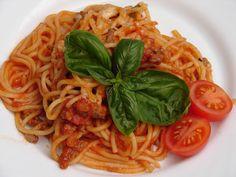 Zážitky jedné rodinky...: Boloňské špagety... Spaghetti, Ethnic Recipes, Food, Eten, Meals, Noodle, Diet