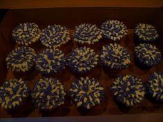 Cheerleader cupcakes! Pom poms :) via cakecentral.com