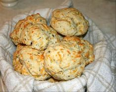 Red Lobster Cheddar Biscuits (perhaps the best things about Red Lobster....)