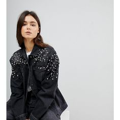 Chorus Tall Pearl Embellished Oversized Denim Jacket (6.300 RUB) ❤ liked on Polyvore featuring outerwear, jackets, black, denim jacket, oversized denim jackets, tall denim jacket, embellished denim jacket and embellished jean jacket