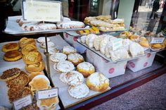 #Portugal: those with a sweet tooth must exercise extreme willpower here (Porto)