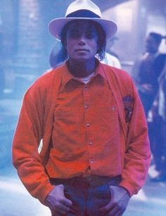 Michael Jackson being adorable as always on the set of Smooth Criminal! :)