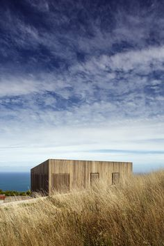 Image 6 of 12 from gallery of Moonlight Cabin / Jackson Clements Burrows. Photograph by Jeremy Weihrauch-Gollings Studio Architecture Design, Architecture Awards, Education Architecture, Commercial Architecture, Victorian Architecture, Residential Architecture, Jackson, Cabana, Building Front