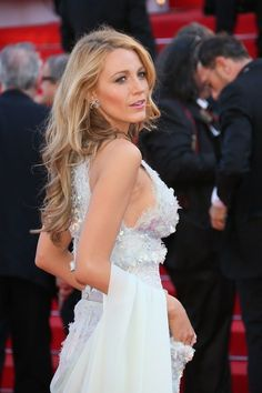 On the red carpet in Cannes, the beauty looks have always treaded a skillful line between glamour and ease.