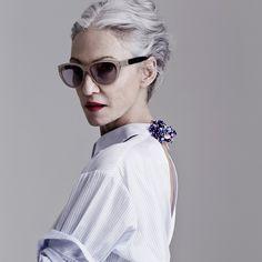 "Линда Родин, модель и основательница <a href=""http://www.beautyinsider.ru/2014/10/31/estee-lauder-acquires-rodin-olio-lusso/"" target=""_blank"">Olio Lusso</a>"