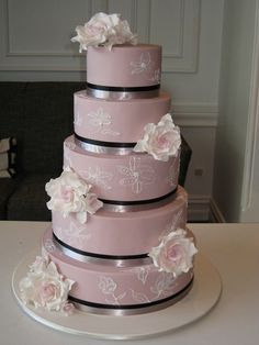 Chic Fondant Wedding Cakes ♥ Wedding Cake Design