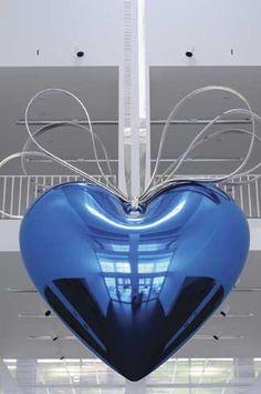 Jeff Koons - Heart - Venduto da Christie's per 25 milioni dollari I Love Heart, With All My Heart, Happy Heart, Neo Pop, Jeff Koons Art, Art Gallery, Heart Crafts, Hanging Hearts, Love Blue