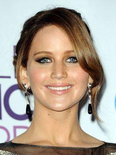 People's Choice Awards 2013: Jennifer Lawrence http://beautyeditor.ca/gallery/peoples-choice-awards-2013/jennifer-lawrence/