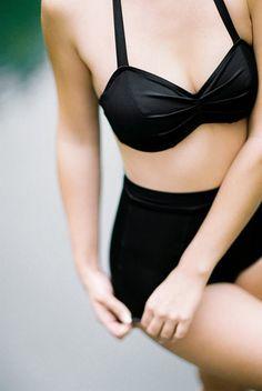 Bikini 1-9-7-9