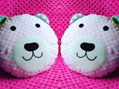 Przytulove Stwory: Poduszka miś - dekoracja do Twojego mieszkania