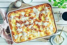 Bollefocaccia med skolebrødfyll Sheet Pan, Lasagna, Sweet, Ethnic Recipes, Easy, Food, Bakken, Springform Pan, Candy