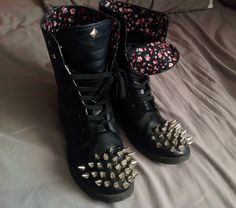 Easy Studded Boots • Free tutorial with pictures on how to make a boot in under 120 minutes #howto #tutorial