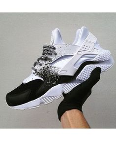 5d4e3097b455 Nike Huarache Custom Black White Spray Painting UK Sale Nike Custom Shoes