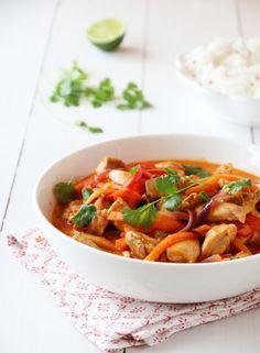KYLLING I CURRY   TRINES MATBLOGG A Food, Food And Drink, Curry Recipes, Thai Red Curry, Crockpot, Nom Nom, Chicken Recipes, Turkey, Yummy Food