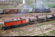RailPictures.Net Photo: CGW 27 Chicago Great Western EMD NW2 at Des Moines, Iowa by Dick Hovey