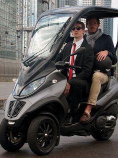 Le scooter à 3 roues Piaggio MP3 peut maintenant être équipé d'un toit rigide grâce à Vestratis