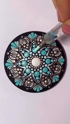 How to paint this pendant Mandala Art Lesson, Mandala Drawing, Mandala Painting, Mandala On Canvas, Mandala Stencils, Stone Art Painting, Dot Art Painting, Mandala Painted Rocks, Mandala Rocks