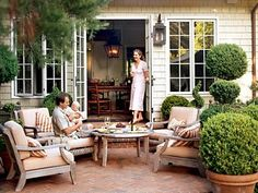 so, so love this patio...