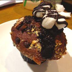 Rocky road muffins!!!! With melted dark choco (: nomnomnom