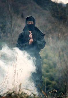 忍者と煙 ninja and smoke