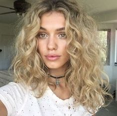 Tempted to give a loose-curl perm hairstyle a go? Here's 10 inspiring pictures from Instagram that'll convince you to take the plunge, now! | All Things Hair - From hair experts at Unilever