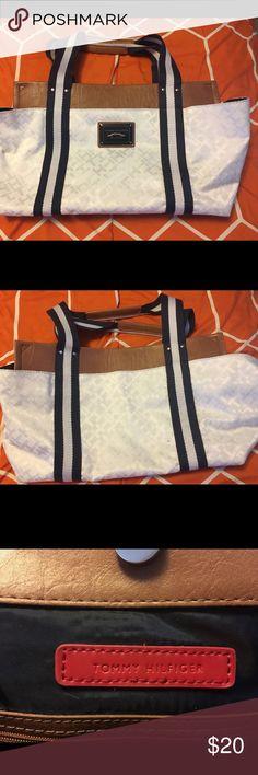 Tommy Hilfiger white purse Tommy Hilfiger white purse Tommy Hilfiger Bags