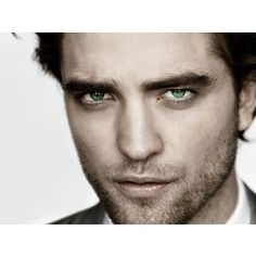 Robert Pattinson.  Tell me HOW IN THE WORLD anyone can say this guy is unattractive!