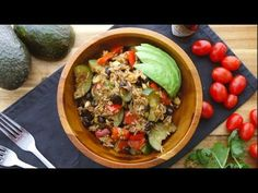 One pot Vegan burrito bowl - The Buddhist Chef One pot Vegan burrito bowl - One pot vegan burrito bowl recipe- easy and delicious one pot meal! This dinner recipe is made in one pot in 30 minutes …making clean up a breeze. Perfect for busy week nights! Vegan Recipes For One, Vegan Recipes Videos, Chef Recipes, Veggie Recipes, Vegetarian Recipes, Dinner Recipes, Healthy Recipes, Veggie Food, Vegan Burrito Bowls