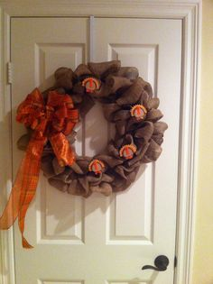 18 inch burlap wreath with removable holiday bow and decor