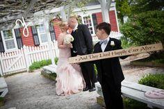 http://photosbyyvonne.net/  Photos by Yvonne: Toledo OH Wedding Photographer