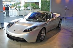 Tesla Roadster electric car - 2008 - Pin X Cars Tesla For Sale, Sustainable Transport, Tesla Roadster, Tesla S, Electric Cars, Electric Vehicle, Amazing Cars, Hot Cars, Cars Motorcycles