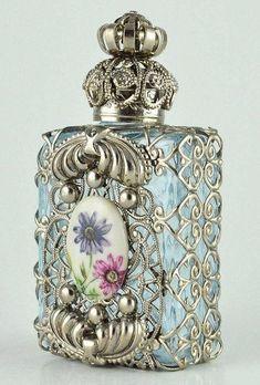 Perfume Bottle Vanity Vintage Vanity Light Blue by chicandcharm Perfumes Vintage, Antique Perfume Bottles, Vintage Perfume Bottles, Bottle Art, Bottle Crafts, Bottles And Jars, Glass Bottles, Beautiful Perfume, Altered Bottles