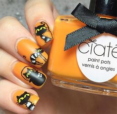In this article I have some nail care tips for you, as well as 50 awesome Halloween nail art design ideas. Cute Halloween Nails, Halloween Nail Designs, Cool Nail Designs, Halloween Inspo, Cat Nail Art, Cat Nails, Monster Nails, Witch Nails, Nail Printer