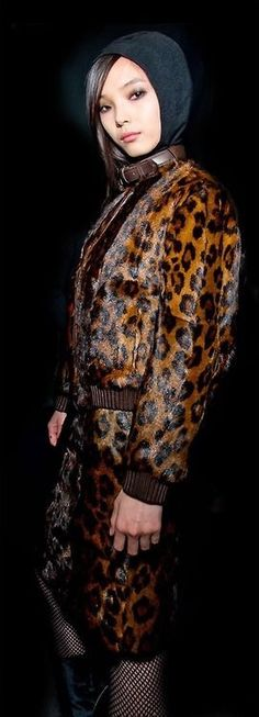 I imagine Gloria to have a style that's a mix of Cher and a Long Island housewife so. lots of leopard print. Leopard Fashion, Animal Print Fashion, Animal Prints, Leopard Animal, Cheetah Print, Leopard Prints, Couture Fashion, Tom Ford, Editorial Fashion