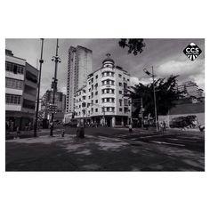 Te presentamos la selección especial: <<BLANCO Y NEGRO>> en Caracas Entre Calles. ============================  F E L I C I D A D E S  >> @haroldcontreras << Visita su galeria ============================ SELECCIÓN @luisrhostos TAG #CCS_EntreCalles ================ Team: @ginamoca @huguito @luisrhostos @mahenriquezm @teresitacc @marianaj19 @floriannabd ================ #blancoynegro #Venezuela #Instavenezuela #Gf_Venezuela #GaleriaVzla #Ig_Venezuela #Great_Captures_Vzla #InstaloVenezuela…