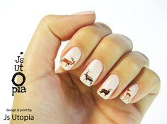 A friendly little deer family — in the form of nail transfer stickers! Perfect for autumn.