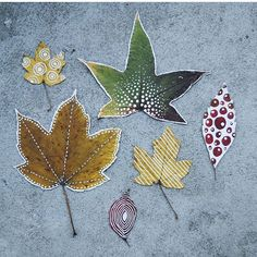 Leaf love Perfect craft for the family! Tutorial over at by everwillalove Leaf Crafts, Diy And Crafts, Crafts For Kids, Arts And Crafts, Paper Crafts, Autumn Crafts, Nature Crafts, Leaf Projects, Art Projects
