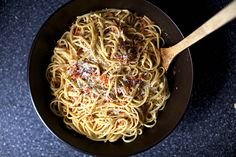 Linguine with Tomato-Almond Pesto