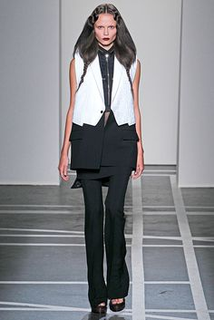 Givenchy Spring 2011 Ready-to-Wear - Collection - Gallery - Style.com
