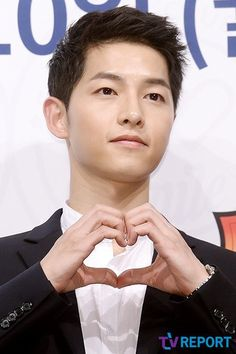 """Song Joong-ki, """"Touched by Lee Gwang-soo's cameo appearance. Considering to appear in 'Running Man'"""""""