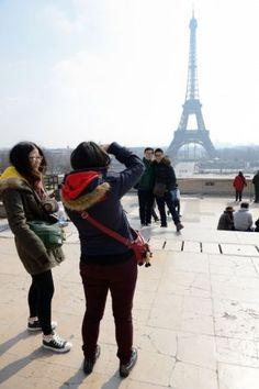 """Chinese tourists: Mind your manners! """"It's HARD being a Chinese tourist..."""""""