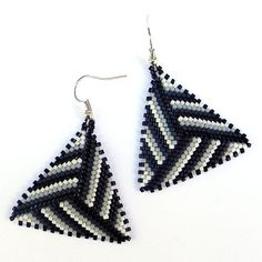 Black White and Grey Seed bead earrings  Triangle by Anabel27shop