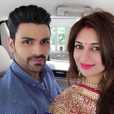 Telly world's much awaited wedding of Divyanka Tripathi and Vivek Dahiya took place on July 8 in Bhopal. The newly-weds hosted a grand reception in Chandigarh on Sunday. The bride was all decked up in a red lehenga teamed with gold tulle dupatta and Vivek complimented her in a black tuxedo suit. Her bridal hair …