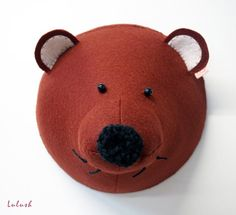 Hey, I found this really awesome Etsy listing at https://www.etsy.com/listing/235107008/wool-felt-brown-grizzly-bear-head-wall